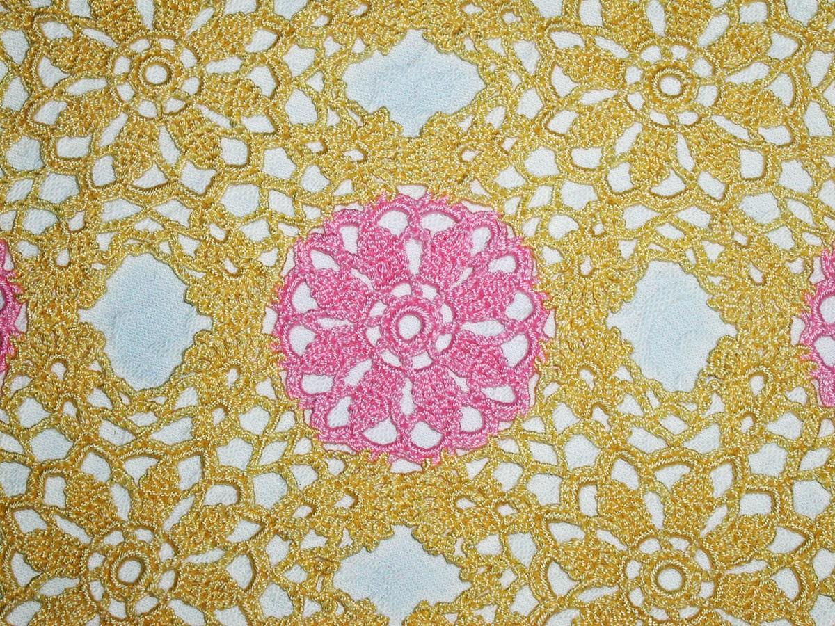 Sunny Yellow Tea4Two square lace tablecloth - Tè in Giallo tovaglietta da tè in pizzo crochet classico