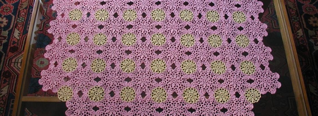 """Rose Pink Tea4Two Crochet Lace Tablecloth – Tovaglietta in pizzo crochet classico """"Tè in Rosa"""""""