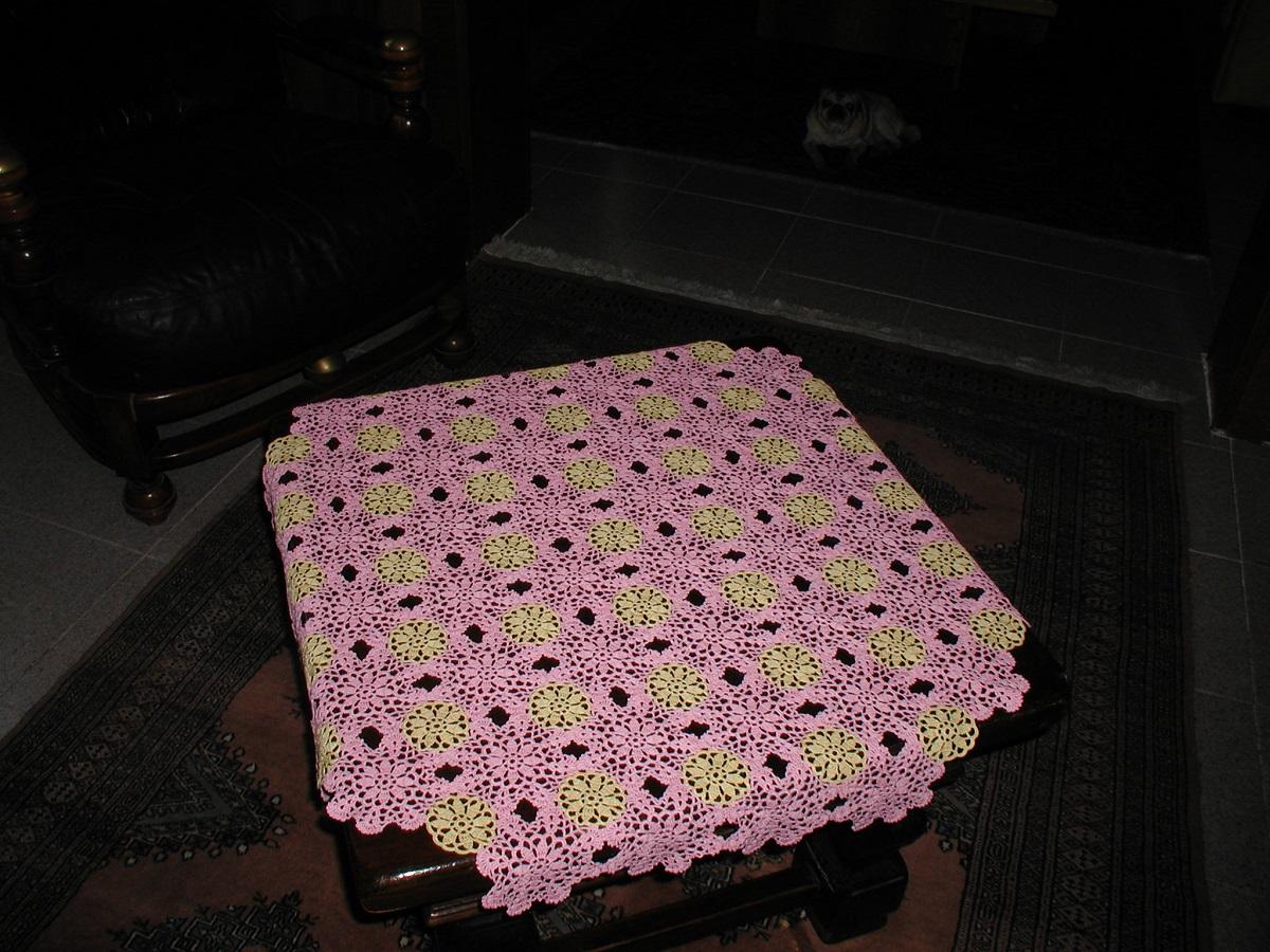 Rose Pink Tea4Two square lace tablecloth - Tè in Rosa tovaglietta da tè in pizzo crochet classico