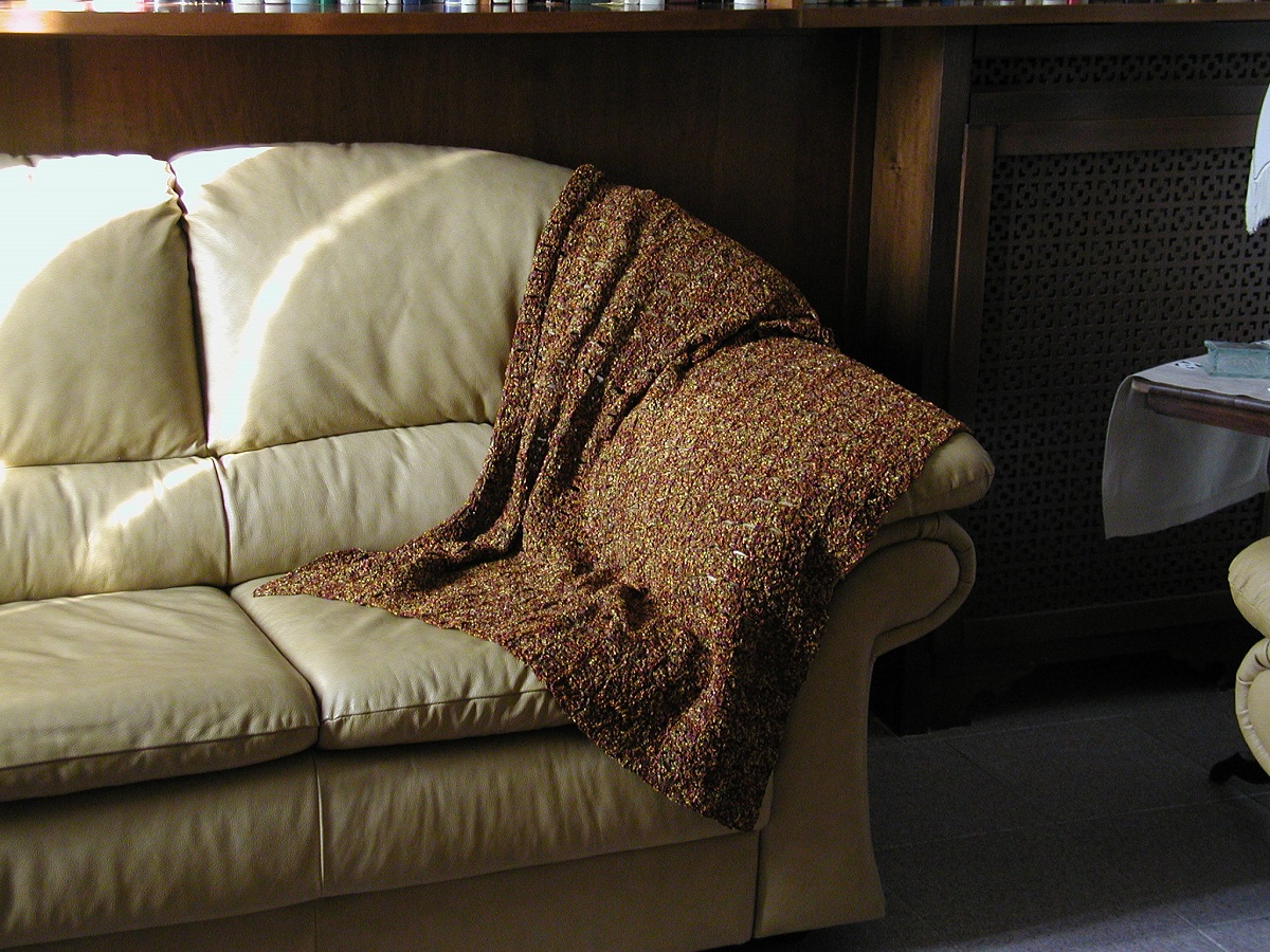 """Oh, Gold! Crochet Lace Afghan in ancient hues - Coperta arredo color oro antico """"Oh, Gold!"""""""