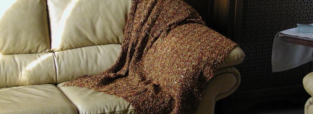 "Oh, Gold! Crochet Lace Afghan in Ancient Hues - Coperta arredo color oro antico ""Oh, Gold!"""