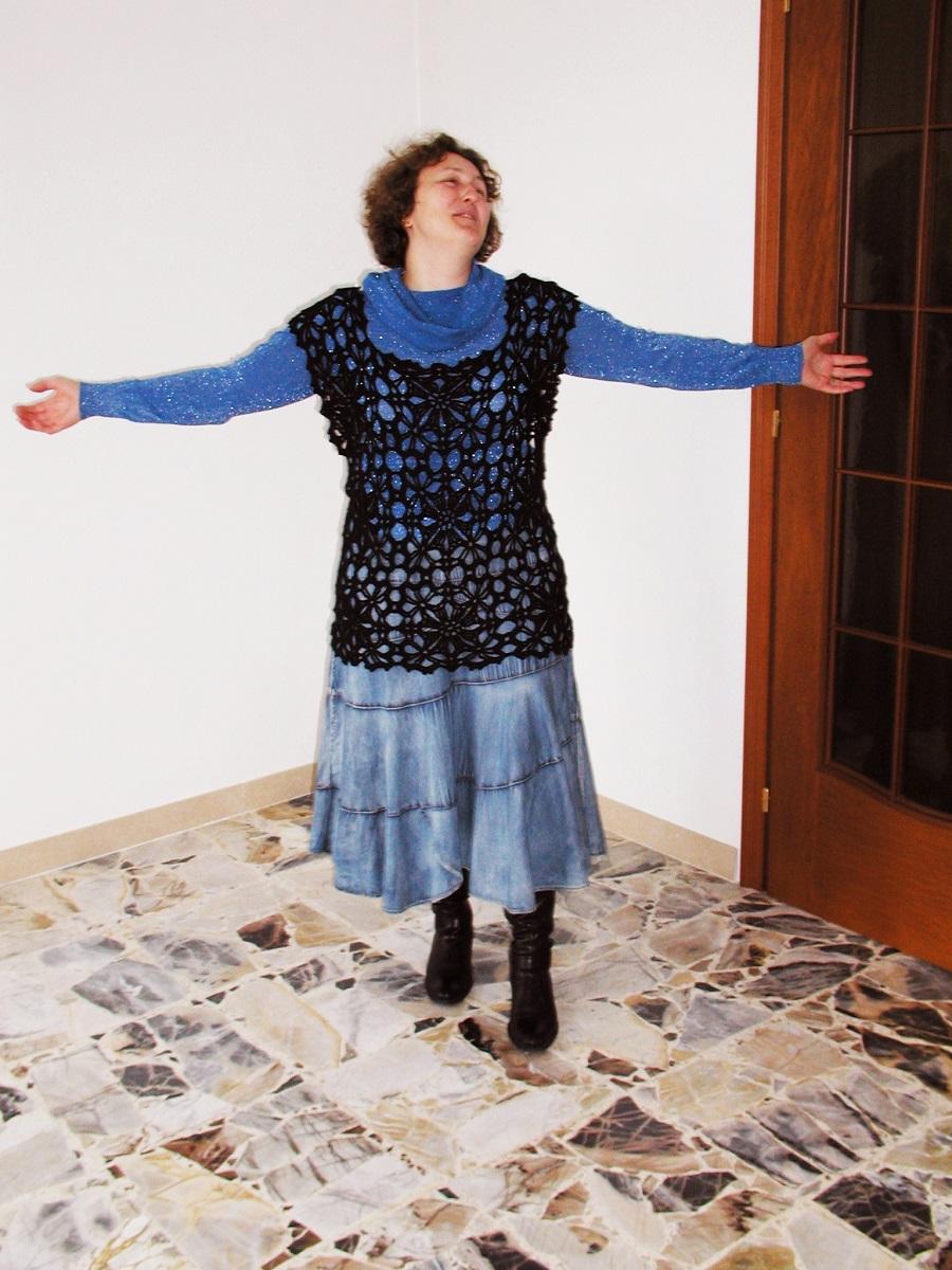 """Black Beauty Minimalist Crochet Lace Vest - Gilet minimalista in pizzo crochet """"Bellezza Nera"""""""