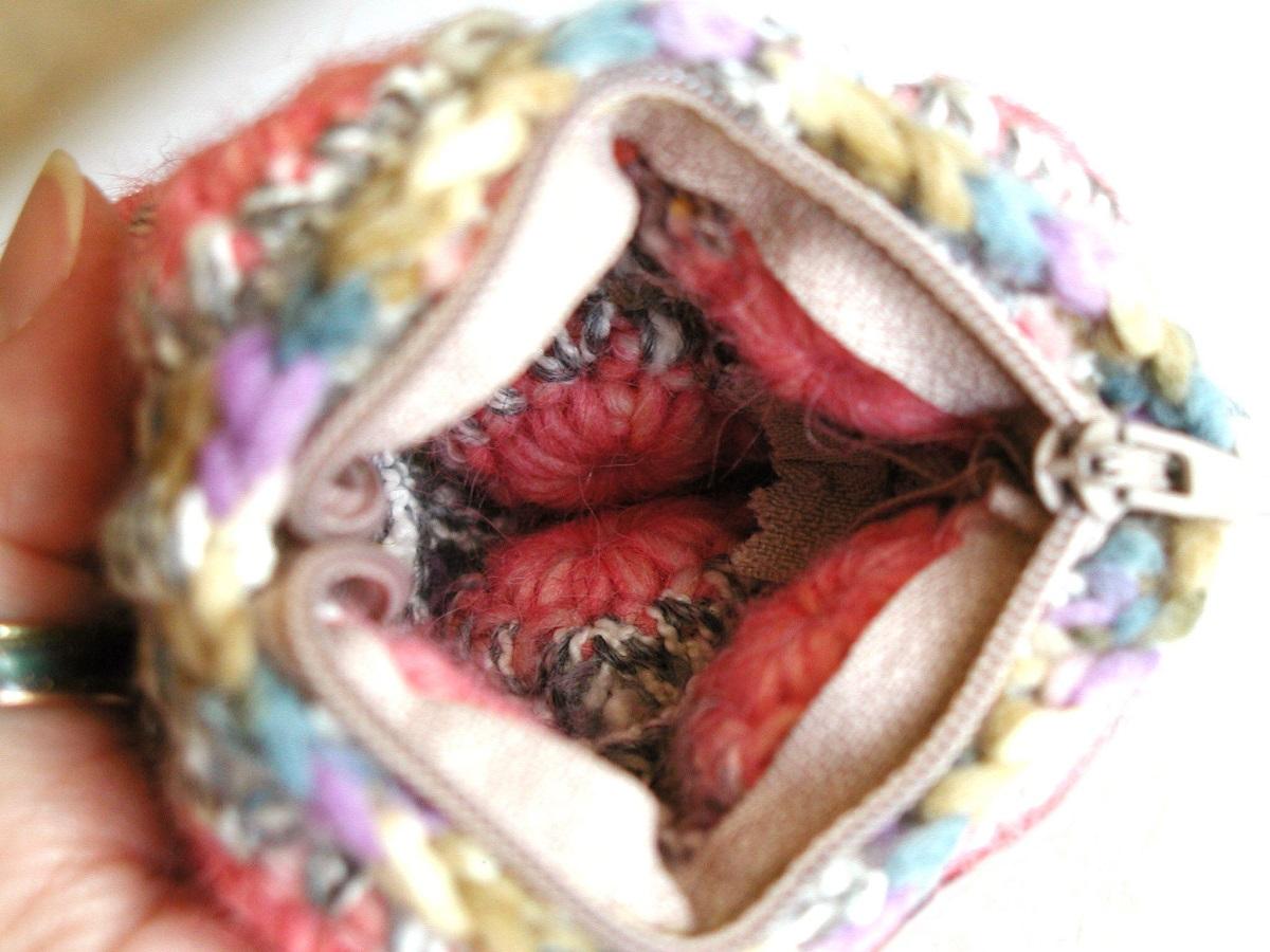 Coin Pouch in Pink and Earthy Colors - Portamonete rosa e colori della terra