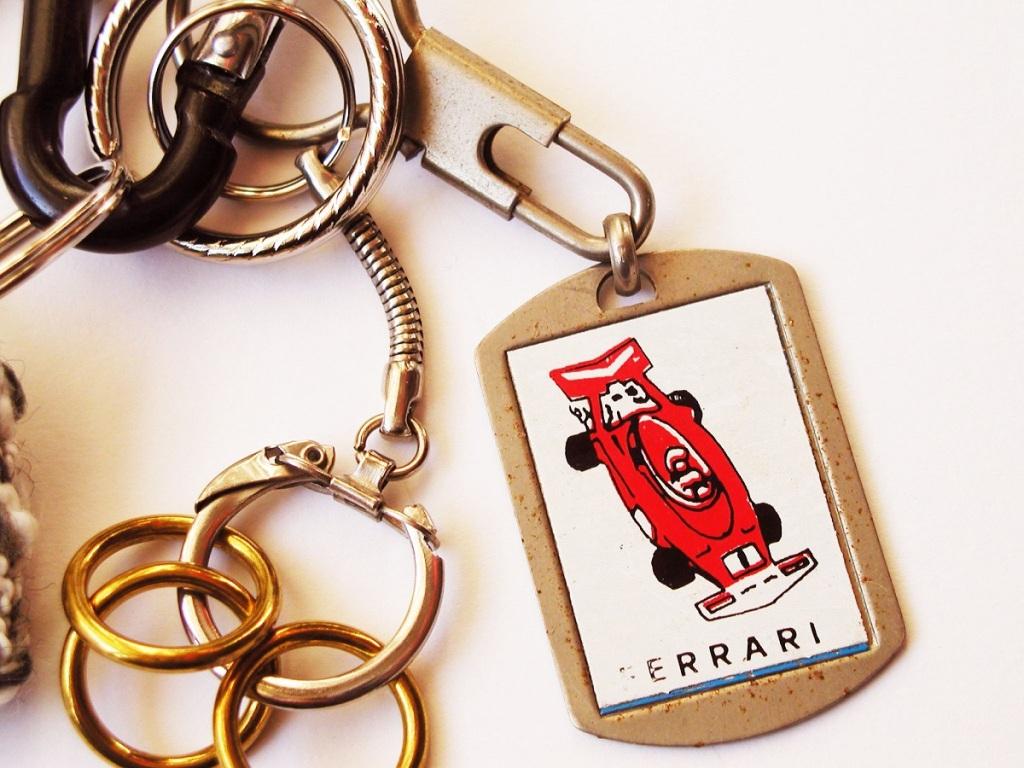 Red Ferrari Race Car Fancy Keychain - Ferrari Rossa portachiavi fantasia
