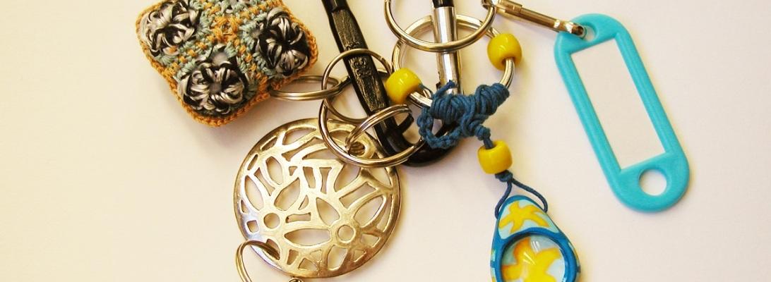 Metal Flower Whimsical Keychain - Fiore di Metallo portachiavi fantasia